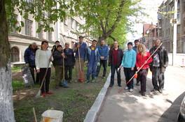 Сотрудники  ГП УкрНТЦ«Энергосталь» приняли участие в субботнике.